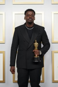 Daniel Kaluuya poses backstage with the Oscar® for Best Actor in a Supporting Role during the live ABC Telecast of The 93rd Oscars® at Union Station in Los Angeles, CA on Sunday, April 25, 2021.credit: Matt Petit / A.M.P.A.S.